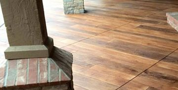 Close up of a stamped concrete floor to look like wood planks in a outdoor patio in Cleveland, OH