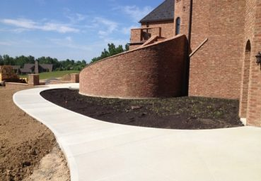 Picture of a new sidewalk installed in the back of a new home in Charleston, SC