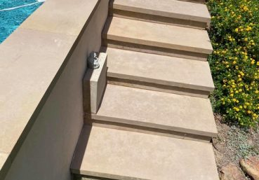 Picture of concrete steps installed next to a swim pool for a customer in Miami, FL